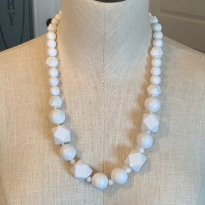 💐5/25 chunky geometric large acrylic bead white